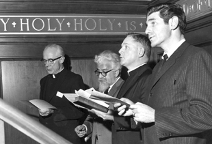 Rabbi Balfour Brickner (right) joins Rabbi Abraham Joshua Heschel (left) at a prayer service for civil rights in the early '60s.